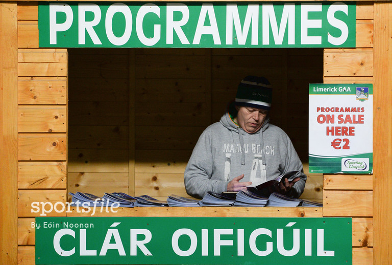 29 January 2017; Programme seller Eamonn O'Hagan studies the programme ahead of the Co-Op Superstores Munster Senior Hurling League final match between Limerick and Cork at the Gaelic Grounds in Limerick. Photo by Eóin Noonan/Sportsfile