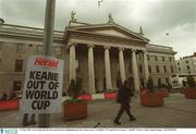 23 May 2002; An Evening Herald advertising board, highlighting the Roy Keane story, on Dublin's O'Connell Street. Soccer. Cup2002. Picture credit; Damien Eagers / SPORTSFILE
