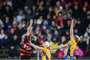 5 November 2017; Seadna Morey of Sixmilebridge gathers possession ahead of team-mate Aidan Quilligan and Pauric Mahony of Ballygunner during the AIB Munster GAA Hurling Senior Club Championship Semi-Final match between Ballygunner and Sixmilebridge at Walsh Park in Waterford. Photo by Piaras Ó Mídheach/Sportsfile