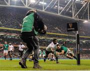 18 November 2017; Dave Kearney of Ireland scores his side's second try, despite the tackle of Timoci Nagusa of Fiji, during the Guinness Series International match between Ireland and Fiji at the Aviva Stadium in Dublin. Photo by Seb Daly/Sportsfile