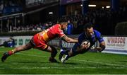 24 November 2017; Isa Nacewa of Leinster scores his side's sixth try despite the best efforts of Ashton Hewitt of Dragons during the Guinness PRO14 Round 9 match between Leinster and Dragons at the RDS Arena in Dublin. Photo by Brendan Moran/Sportsfile