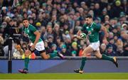 25 November 2017; Rob Kearney of Ireland, supported by team-mate Adam Byrne, left, during the Guinness Series International match between Ireland and Argentina at the Aviva Stadium in Dublin. Photo by Piaras Ó Mídheach/Sportsfile