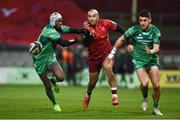 6 January 2018; Simon Zebo of Munster in action against Niyi Adeolokun, left, and Tiernan O'Halloran of Connacht during the Guinness PRO14 Round 13 match between Munster and Connacht at Thomond Park in Limerick. Photo by Diarmuid Greene/Sportsfile