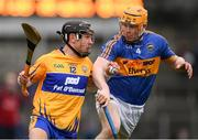 28 January 2018; David Reidy of Clare in action against Donagh Maher of Tipperary during the Allianz Hurling League Division 1A Round 1 match between Clare and Tipperary at Cusack Park in Ennis, County Clare.  Photo by Stephen McCarthy/Sportsfile