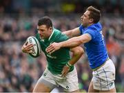 10 February 2018; Robbie Henshaw of Ireland evades the tackle of Matteo Minozzi of Italy on his way to scoring his side's fifth try during the Six Nations Rugby Championship match between Ireland and Italy at the Aviva Stadium in Dublin. Photo by Seb Daly/Sportsfile