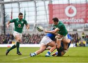 10 February 2018; Jacob Stockdale of Ireland is tackled by Tommaso Boni, left, and Matteo Minozzi of Italy as he off loads to teammate Rob Kearney during the Six Nations Rugby Championship match between Ireland and Italy at the Aviva Stadium in Dublin. Photo by Seb Daly/Sportsfile