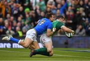 10 February 2018; Robbie Henshaw of Ireland is tackled by Tommaso Benvenuti of Italy on the way to scoring his side's fifth try during the Six Nations Rugby Championship match between Ireland and Italy at the Aviva Stadium in Dublin. Photo by Brendan Moran/Sportsfile