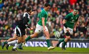 10 February 2018; Joey Carbery of Ireland restarts during the Six Nations Rugby Championship match between Ireland and Italy at the Aviva Stadium in Dublin. Photo by Brendan Moran/Sportsfile