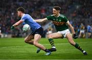 11 March 2018; Andrew McGowan of Dublin escapes the attention of David Clifford of Kerry during the Allianz Football League Division 1 Round 5 match between Dublin and Kerry at Croke Park in Dublin. Photo by Stephen McCarthy/Sportsfile