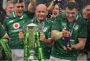 17 March 2018; Ireland captain Rory Best and vice captain Peter O'Mahony, right, celebrate with the trophy after the NatWest Six Nations Rugby Championship match between England and Ireland at Twickenham Stadium in London, England. Photo by Brendan Moran/Sportsfile