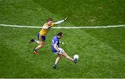 1 April 2018; Seánie Johnston of Cavan in action against Niall Daly of Roscommon during the Allianz Football League Division 2 Final match between Cavan and Roscommon at Croke Park in Dublin. Photo by Daire Brennan/Sportsfile