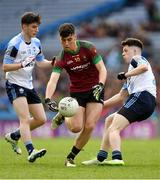 7 April 2018; Oisín Smyth of St Ronan's College in action against Luke Tunney, left, and Luke Dawson of Rice College during the Masita GAA All Ireland Post Primary Schools Hogan Cup Final match between Rice College Westport and St Ronan's College Lurgan at Croke Park in Dublin. Photo by Piaras Ó Mídheach/Sportsfile