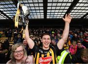 8 April 2018; Kilkenny captain Cillian Buckley lifts the cup following the Allianz Hurling League Division 1 Final match between Kilkenny and Tipperary at Nowlan Park in Kilkenny. Photo by Stephen McCarthy/Sportsfile