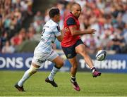 22 April 2018; Simon Zebo of Munster in action against Dan Carter of Racing 92 during the European Rugby Champions Cup semi-final match between Racing 92 and Munster Rugby at the Stade Chaban-Delmas in Bordeaux, France. Photo by Brendan Moran/Sportsfile