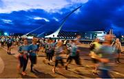 22 April 2018; Participants make thier way past the Samuel Beckett Bridge during the KBC Night Run on North Wall Quay in Dublin. Photo by David Fitzerald/Sportsfile