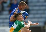 13 May 2018; Rory Finn of Wicklow in action against Seán Pender of Offaly during the Leinster GAA Football Senior Championship Preliminary Round match between Offaly and Wicklow at O'Moore Park in Laois. Photo by Piaras Ó Mídheach/Sportsfile