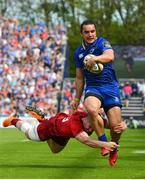 19 May 2018; James Lowe of Leinster is tackled by Sammy Arnold of Munster during the Guinness PRO14 semi-final match between Leinster and Munster at the RDS Arena in Dublin. Photo by Ramsey Cardy/Sportsfile