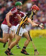 27 May 2018; Bill Sheehan of Kilkenny, under pressure from Adrian Tuohy of Galway, drops his hurley resulting in Walter Walsh's subsequent goal being disallowed by referee Fergal Horgan in the second half during the Leinster GAA Hurling Senior Championship Round 3 match between Galway and Kilkenny at Pearse Stadium in Galway. Photo by Piaras Ó Mídheach/Sportsfile