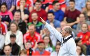 2 June 2018; An umpire signals for a '65 during the Munster GAA Hurling Senior Championship Round 3 match between Cork and Limerick at Páirc Uí Chaoimh in Cork. Photo by Piaras Ó Mídheach/Sportsfile