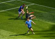 10 June 2018; Dublin goalkeeper Stephen Cluxton is tackled after the ball by James McGivney of Longford, for which McGivney was shown the red card by referee Maurice Deegan, during the Leinster GAA Football Senior Championship Semi-Final match between Dublin and Longford at Croke Park in Dublin. Photo by Piaras Ó Mídheach/Sportsfile