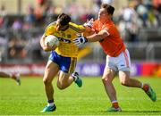 7 July 2018; Diarmuid Murtagh of Roscommon in action against Patrick Burns of Armagh during the GAA Football All-Ireland Senior Championship Round 4 match between Roscommon and Armagh at O'Moore Park in Portlaoise, Co. Laois. Photo by Brendan Moran/Sportsfile