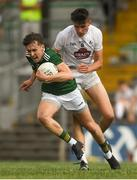 7 July 2018; Kieran Murphy of Kerry in action against Brian Travers of Kildare during the GAA Football All-Ireland Junior Championship semi-final between Kildare and Kerry at Páirc Tailteann in Navan, Co. Meath. Photo by Piaras Ó Mídheach/Sportsfile