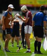 8 July 2018; Joe Canning of Galway wipes his hands and arms with a towel before taking a sideline cut during the Leinster GAA Hurling Senior Championship Final Replay match between Kilkenny and Galway at Semple Stadium in Thurles, Co Tipperary. Photo by Ray McManus/Sportsfile