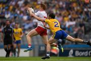 14 July 2018; Peter Harte of Tyrone in action against David Murray of Roscommon during the GAA Football All-Ireland Senior Championship Quarter-Final Group 2 Phase 1 match between Tyrone and Roscommon at Croke Park in Dublin. Photo by Ray McManus/Sportsfile