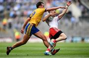 14 July 2018; Matthew Donnelly of Tyrone in action against Enda Smith of Roscommon during the GAA Football All-Ireland Senior Championship Quarter-Final Group 2 Phase 1 match between Tyrone and Roscommon at Croke Park, in Dublin. Photo by David Fitzgerald/Sportsfile