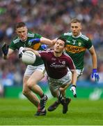 15 July 2018; Ian Burke of Galway in action against Jason Foley, left, and Peter Crowley of Kerry during the GAA Football All-Ireland Senior Championship Quarter-Final Group 1 Phase 1 match between Kerry and Galway at Croke Park, Dublin. Photo by Piaras Ó Mídheach/Sportsfile