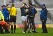 15 July 2018; Neil Flynn of Kildare with medical staff during the GAA Football All-Ireland Senior Championship Quarter-Final Group 1 Phase 1 match between Kildare and Monaghan at Croke Park, Dublin. Photo by Piaras Ó Mídheach/Sportsfile