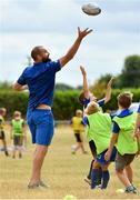 17 July 2018; Leinster's Scott Fardy with participants during the Bank of Ireland Leinster Rugby Summer Camp at Tullow RFC, in Roscat, Tullow, Co. Carlow. Photo by Seb Daly/Sportsfile