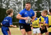 17 July 2018; Leinster's Sean O'Brien in action with participants during the Bank of Ireland Leinster Rugby Summer Camp at Tullow RFC, in Roscat, Tullow, Co. Carlow. Photo by Seb Daly/Sportsfile