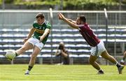 21 July 2018; Niall Ó Sé of Kerry shoots to score a point despite the efforts of Eddie O'Sullivan of Galway during the GAA Football All-Ireland Junior Championship Final match between Kerry and Galway at Cusack Park in Ennis, Co. Clare. Photo by Diarmuid Greene/Sportsfile