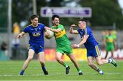 21 July 2018; Ryan McHugh of Donegal in action against Cathal Compton, left, and Sean McDermott of Roscommon during the GAA Football All-Ireland Senior Championship Quarter-Final Group 2 Phase 2 match between Roscommon and Donegal at Dr Hyde Park in Roscommon. Photo by David Fitzgerald/Sportsfile