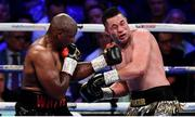 28 July 2018; Dillian Whyte, left, and Joseph Parker during their Heavyweight contest at The O2 Arena in London, England. Photo by Stephen McCarthy/Sportsfile