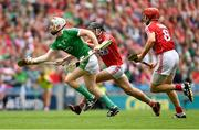29 July 2018; Cian Lynch of Limerick in action against Darragh Fitzgibbon, centre, and Bill Cooper of Cork during the GAA Hurling All-Ireland Senior Championship semi-final match between Cork and Limerick at Croke Park in Dublin. Photo by Piaras Ó Mídheach/Sportsfile