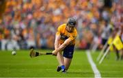 5 August 2018; Tony Kelly of Clare takes a sideline cut during the GAA Hurling All-Ireland Senior Championship semi-final replay match between Galway and Clare at Semple Stadium in Thurles, Co Tipperary. Photo by Brendan Moran/Sportsfile
