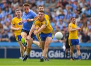 5 August 2018; Paul Flynn of Dublin scores his side's first goal despite the efforts of John McManus of Roscommon during the GAA Football All-Ireland Senior Championship Quarter-Final Group 2 Phase 3 match between Dublin and Roscommon at Croke Park in Dublin. Photo by Piaras Ó Mídheach/Sportsfile