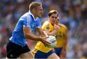 5 August 2018; Eoghan O'Gara of Dublin in action against David Murray of Roscommon during the GAA Football All-Ireland Senior Championship Quarter-Final Group 2 Phase 3 match between Dublin and Roscommon at Croke Park in Dublin. Photo by Piaras Ó Mídheach/Sportsfile