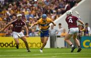 5 August 2018; Shane O'Donnell of Clare in action against Daithí Burke, left, and John Hanbury of Galway before going on to score his side's first goal during the GAA Hurling All-Ireland Senior Championship semi-final replay match between Galway and Clare at Semple Stadium in Thurles, Co Tipperary. Photo by Diarmuid Greene/Sportsfile