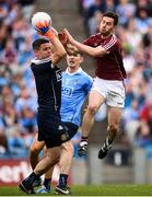 11 August 2018; Dublin goalkeeper Stephen Cluxton in action against Ian Burke of Galway during the GAA Football All-Ireland Senior Championship semi-final match between Dublin and Galway at Croke Park in Dublin. Photo by Stephen McCarthy/Sportsfile