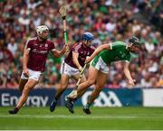 19 August 2018; Gearóid Hegarty of Limerick in action against Johnny Coen, left, and Gearóid McInerney of Galway during the GAA Hurling All-Ireland Senior Championship Final match between Galway and Limerick at Croke Park in Dublin. Photo by Seb Daly/Sportsfile