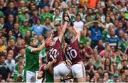 19 August 2018; Jonathan Glynn of Galway catches a ball in the square, from a Joe Canning free, late in injury time of the second half during the GAA Hurling All-Ireland Senior Championship Final match between Galway and Limerick at Croke Park in Dublin.  Photo by Piaras Ó Mídheach/Sportsfile