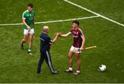 19 August 2018; Galway manager Mícheál Donoghue consoles Jason Flynn of Galway after the GAA Hurling All-Ireland Senior Championship Final match between Galway and Limerick at Croke Park in Dublin. Photo by Daire Brennan/Sportsfile