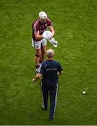 19 August 2018; Galway manager Mícheál Donoghue hands Joe Canning a towel before he hit a late free near the end of the GAA Hurling All-Ireland Senior Championship Final match between Galway and Limerick at Croke Park in Dublin. Photo by Daire Brennan/Sportsfile