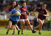 25 August 2018; Sinéad Aherne of Dublin in action against Galway players, from left, Nicola Ward, Charlotte Cooney, and Sinéad Burke during the TG4 All-Ireland Ladies Football Senior Championship Semi-Final match between Dublin and Galway at Dr Hyde Park in Roscommon. Photo by Piaras Ó Mídheach/Sportsfile