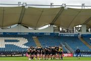 14 September 2018; Players huddle after the Leinster captains run at the RDS Arena in Dublin. Photo by Eóin Noonan/Sportsfile