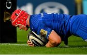 15 September 2018; Josh van der Flier of Leinster goes over to score his side's third try during the Guinness PRO14 Round 3 match between Leinster and Dragons at the RDS Arena in Dublin. Photo by Brendan Moran/Sportsfile