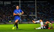 22 September 2018; James Lowe of Leinster on his way to scoring his side's second try during the Guinness PRO14 Round 4 match between Leinster and Edinburgh at the RDS Arena in Dublin. Photo by Ramsey Cardy/Sportsfile